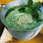 Kalte Spinat-Joghurt-Suppe