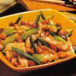 Hühnerstreifen mit Gemüse und Mandeln