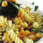 Pasta mit Spinat und Kichererbsen