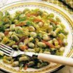 Salat mit Saubohnen und Minze