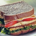 Sandwich mit gebratener Hühnchenbrust