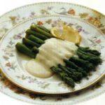 Spargel mit Joghurtsosse