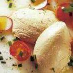 Thunfisch-Mousse mit Tomatensalat