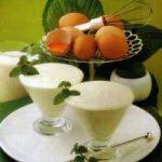 Joghurtcreme mit Minze