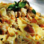Pasta mit Hackfleischbällchen und Tomaten