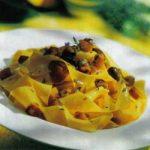 Pasta mit Zucchini und Oliven