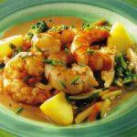 Shrimps auf Gemüsebett mit Kartoffeln