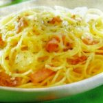 Gratinierte Spaghetti mit Schinken und Käse