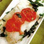 Barschfilet mit Spinat und Tomaten