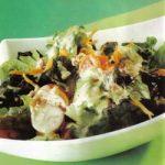 Gemischter Salat mit Orangen-Dressing