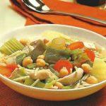 Gemüse-Bohnensuppe mit Huhn