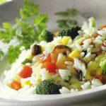Gemüsereis mit Feta-Käse