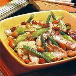Hühnchengeschnetzeltes mit Gemüse und Mandeln