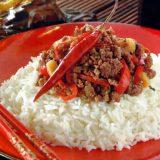 Kokosreis mit Chili-Hackfleisch