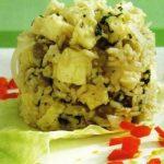 Reis mit Erbsen und Feta-Käse