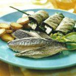 Seebarsch mit Auberginen-Käse-Spießen